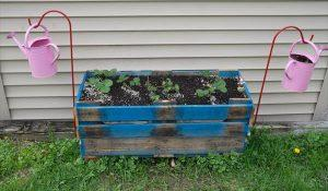recycled pallet garden bed