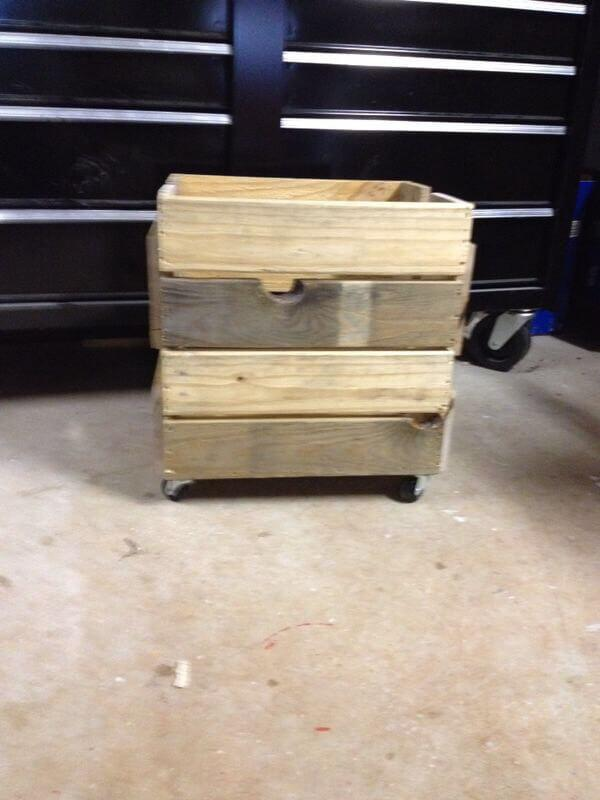 reclaimed pallet planter box