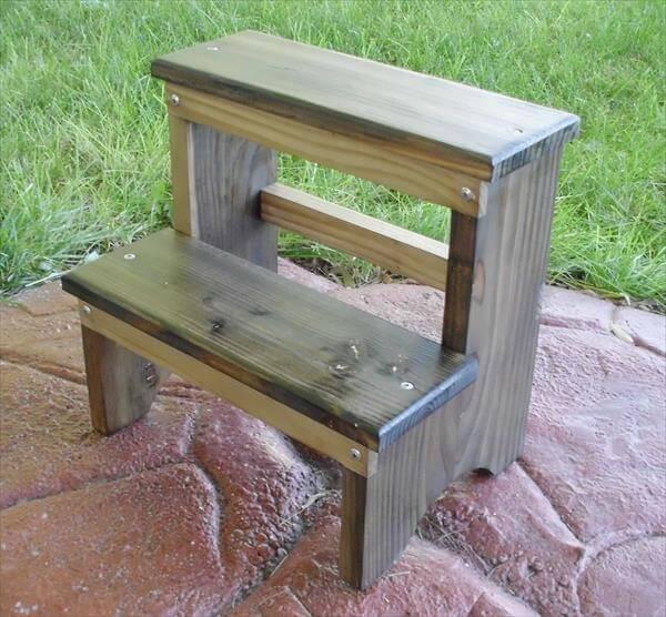 recycled pallet step stool