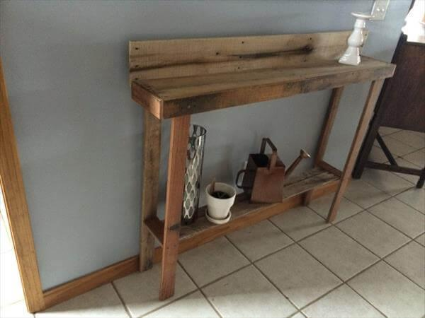 recycled pallet wood table