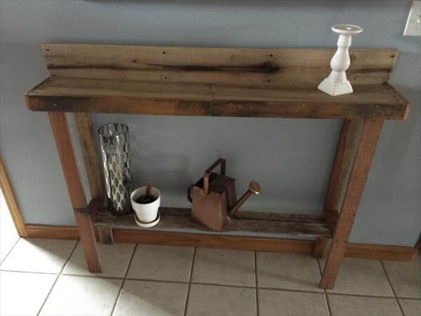 upcycled pallet wood table