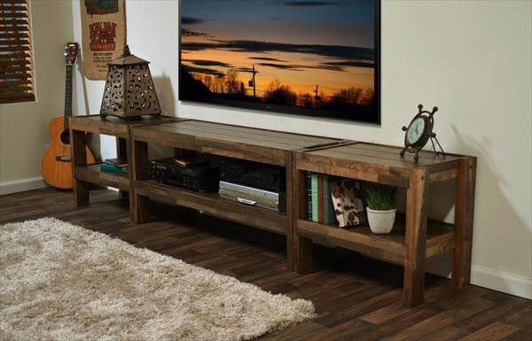 upcycled pallet TV stand and media console