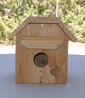 recycled pallet bird house