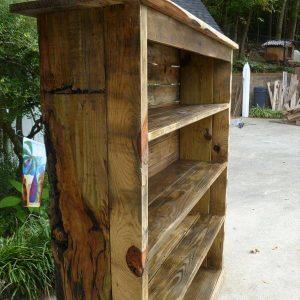 upcycled pallet bookcase