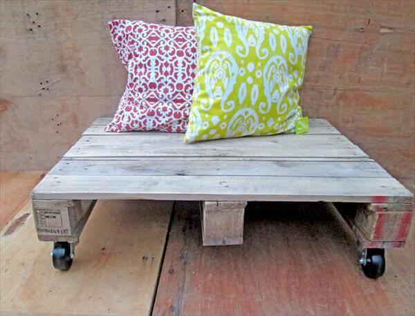 recycled pallet coffee table with wheels