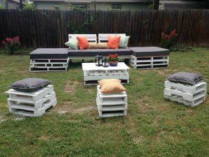 recycled pallet outdoor seating plan