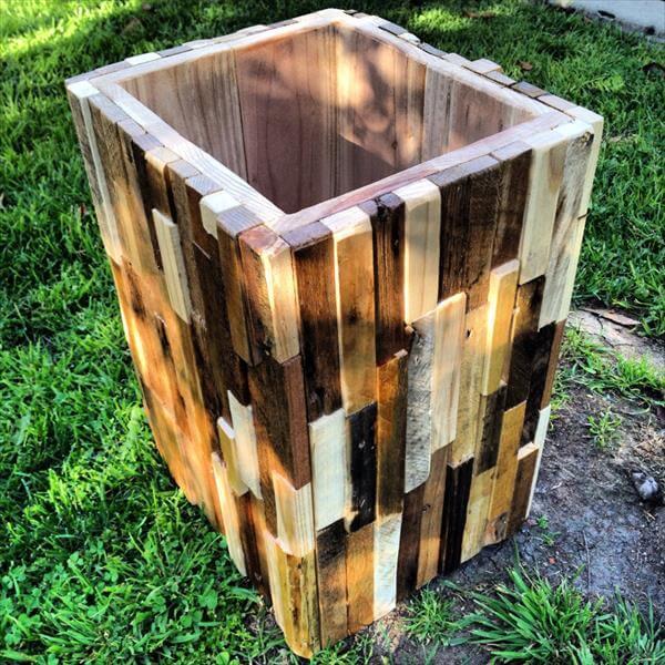 recycled pallet trash bin