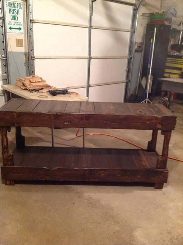reclaimed pallet buffet table