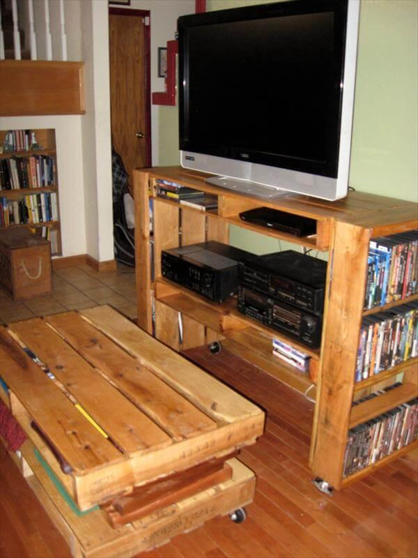 diy pallet media console with bookshelves