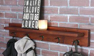 Pretty Rustic Pallet Shelf and Coat Rack