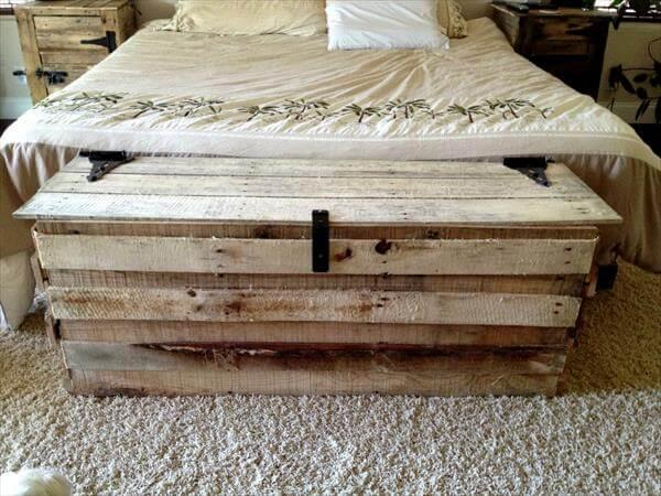 recycled pallet wood chest