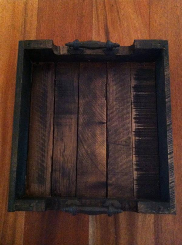 reclaimed pallet serving tray