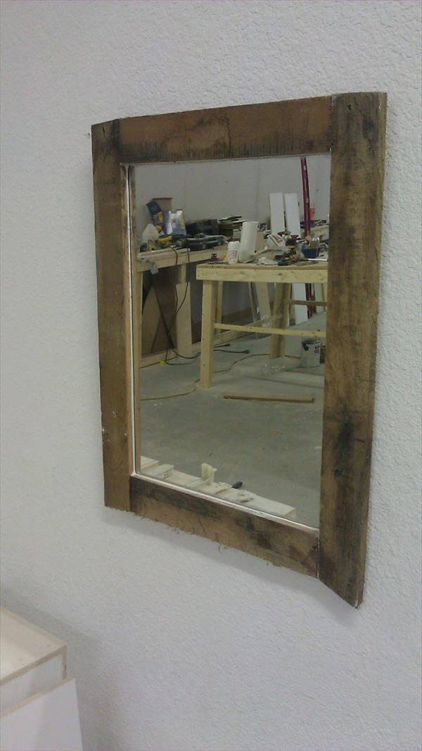 diy pallet rustic mirror