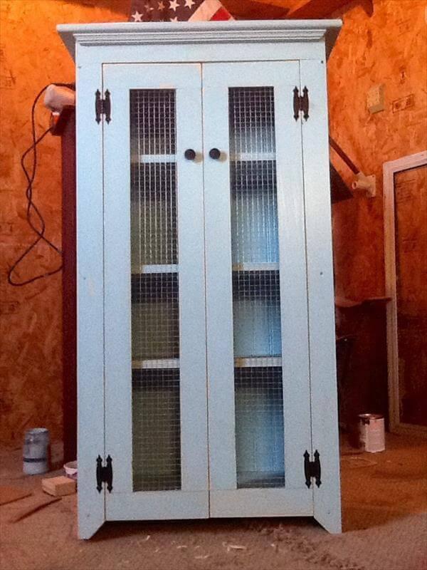 DIY Pallet Primitive Bathroom Storage Cabinet – 101 Pallets