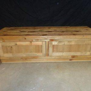 recycled pallet bench and coffee table