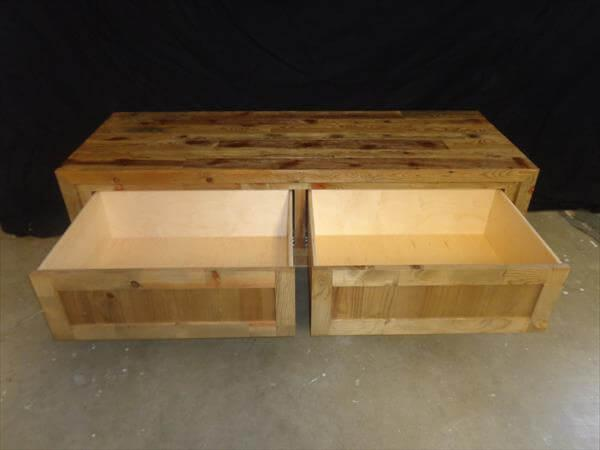 reclaimed pallet bench and coffee table