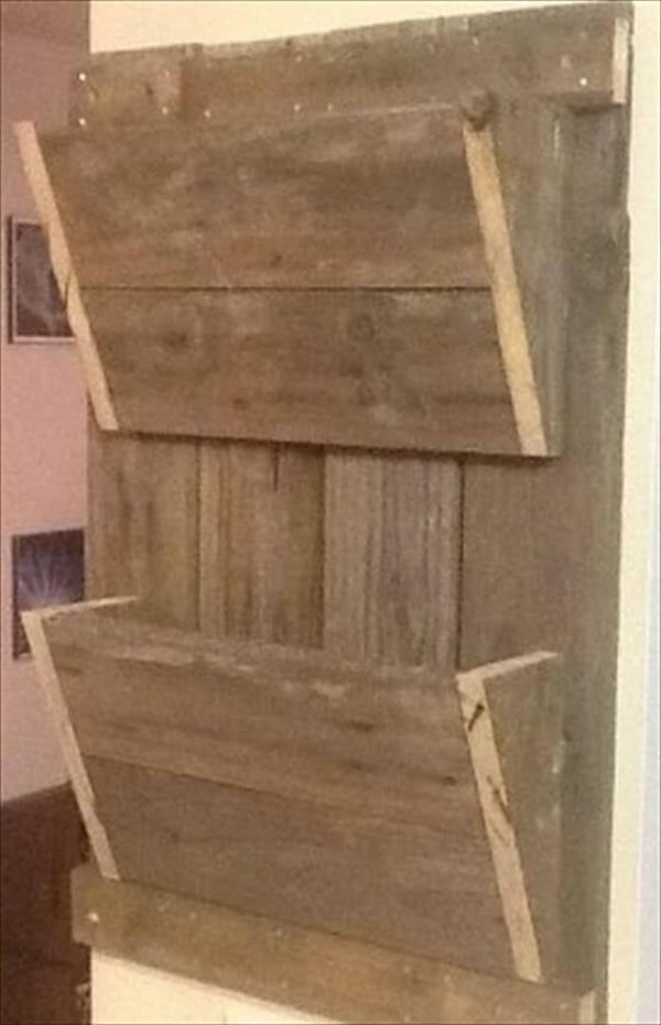 recycled pallet mail organizer