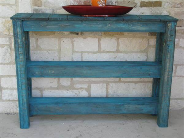 diy pallet side table and media console