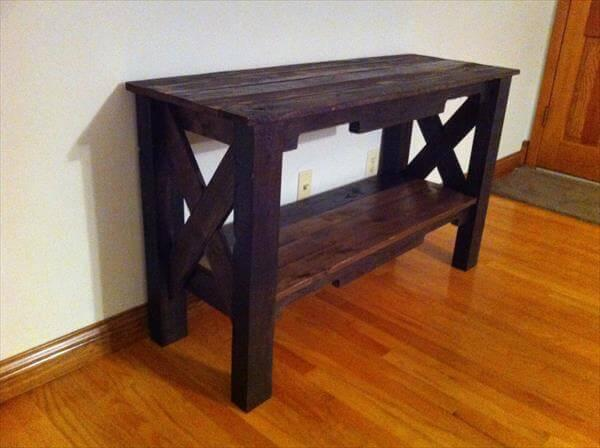 reclaimed pallet table and TV stand