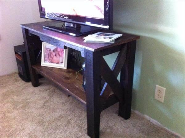 upcycled pallet table and TV stand