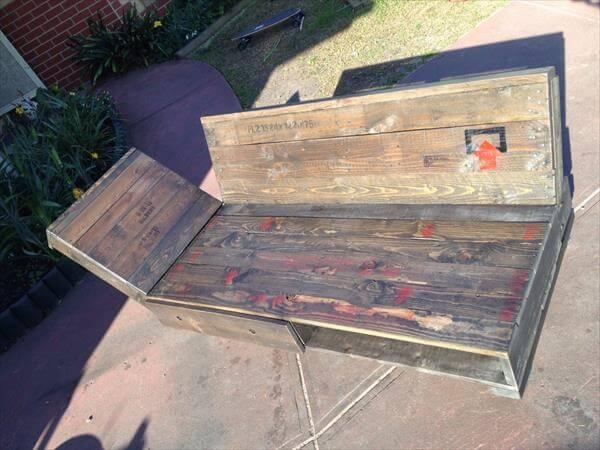 diy pallet daybed and lounging chair