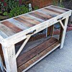 recycled pallet side table and entry way table