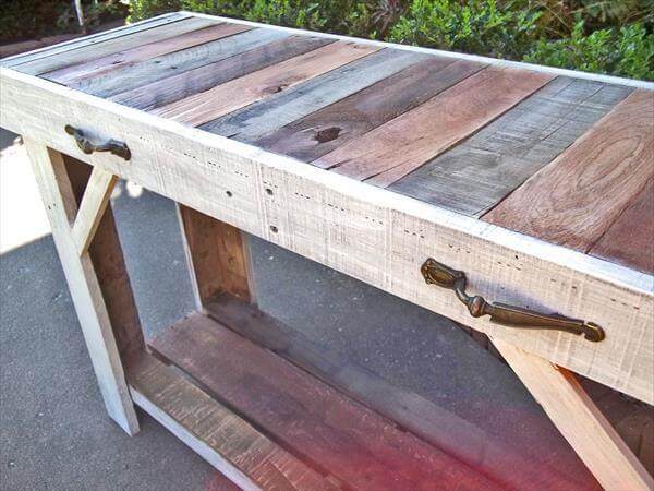 diy pallet side table and entry way table