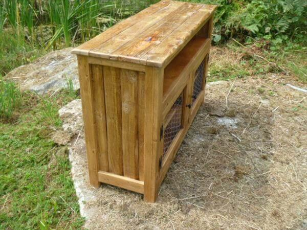 pallet media stand with chicken wired doors