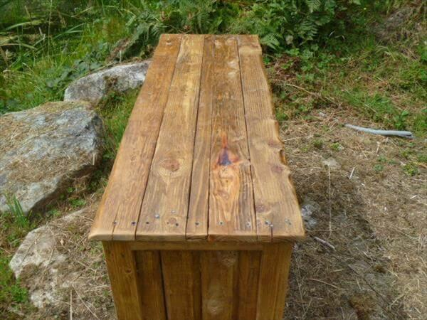 rustic pallet media cabinet and TV stand