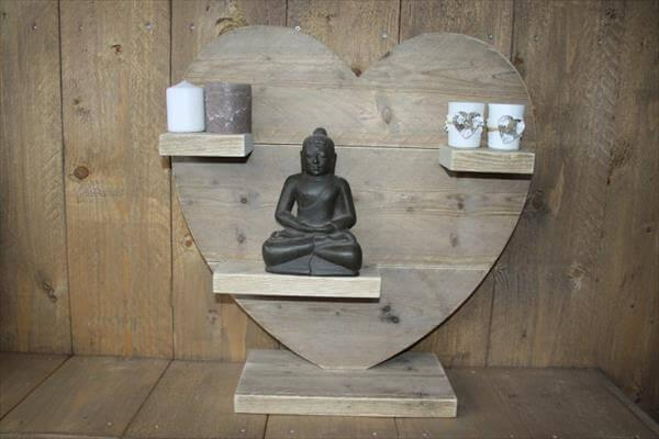 reused pallet heart decoration