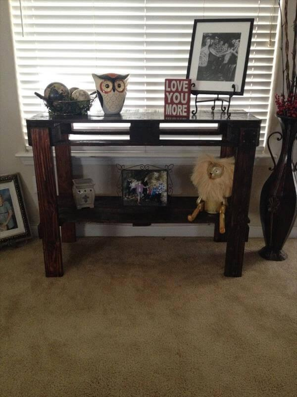 upcycled pallet entry table