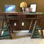 resurrected pallet desk