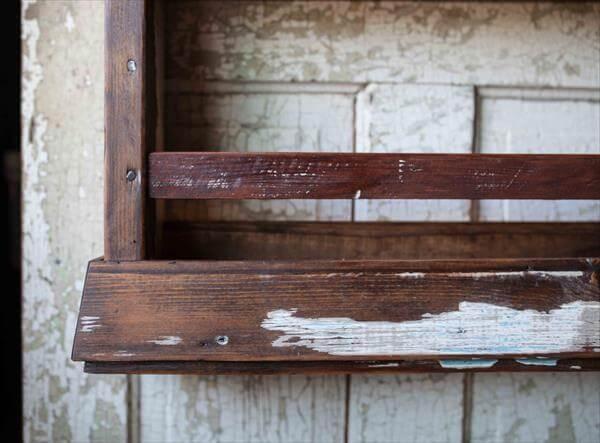 repurposed pallet wall hanging rack
