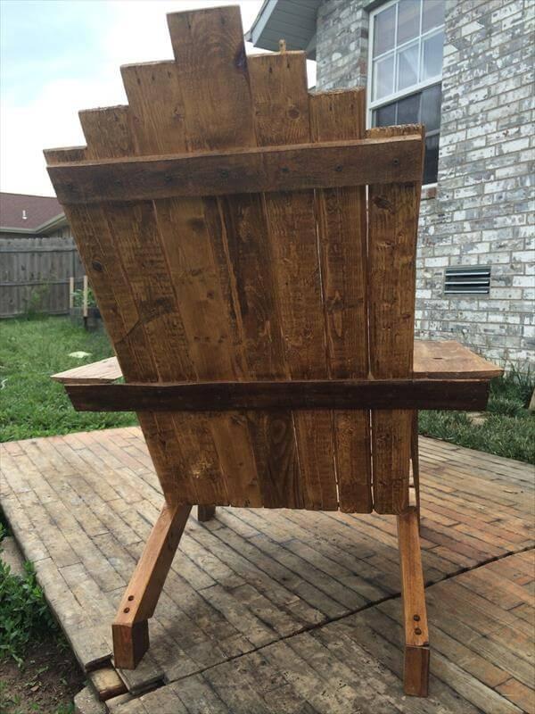 reclaimed pallet wood adirondack chair