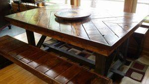 DIY Pallet Chevron Kitchen Table