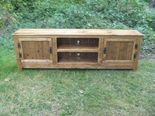 recycled pallet media stand & DIY Pallet TV Stand / Media Cabinet / Console Table u2013 101 Pallets