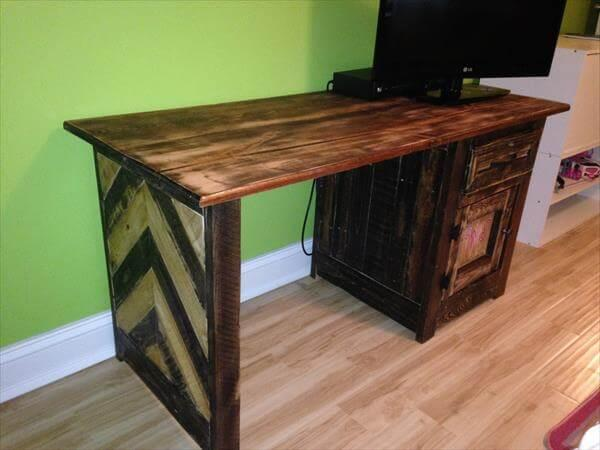 upcycled pallet kid's desk