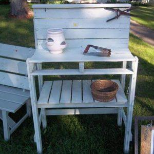 shabby chic pallet potting bench