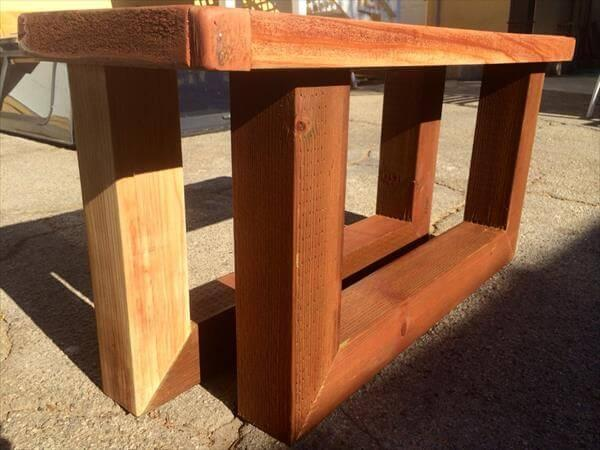 wooden pallet entry bench