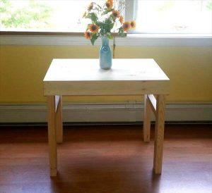 DIY Pallet Side Table / End Table