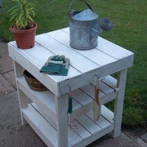 reclaimed pallet garden work bench