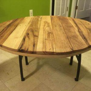 reclaimed pallet round top coffee table with metal base