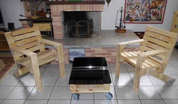 recycled pallet armchairs and coffee table