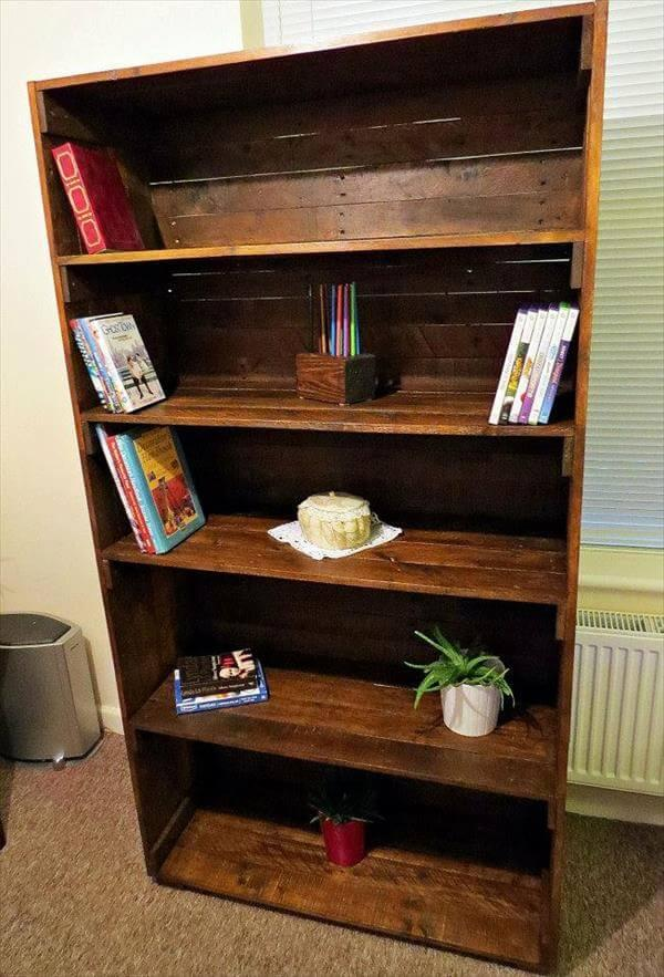Reclaimed Bookshelf Out of Pallets – 101 Pallets