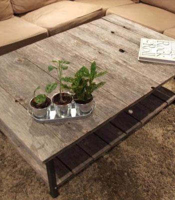 reccycled pallet coffee table with shelf