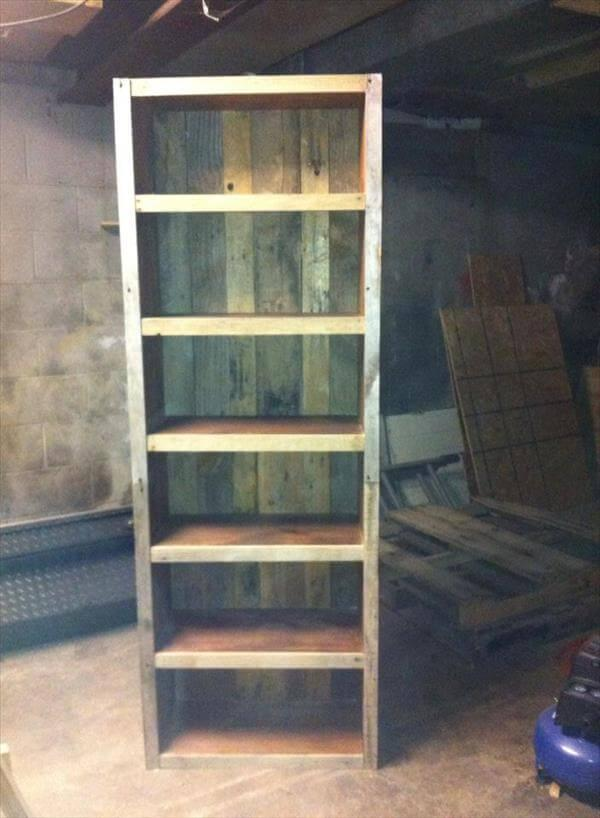 upcycled pallet big bookshelf