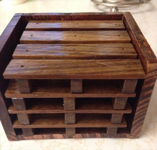 recycled pallet set of table coasters