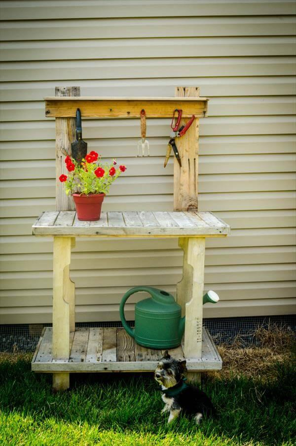 recycled pallet garden potting table