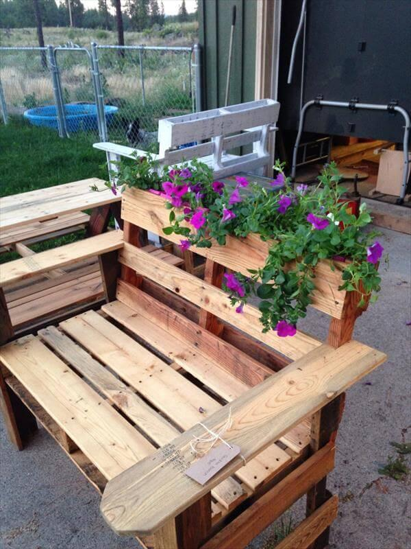 Diy Pallet Bench With Planter 101 Pallets