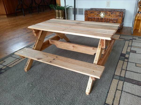 recycled pallet kid's picnic table